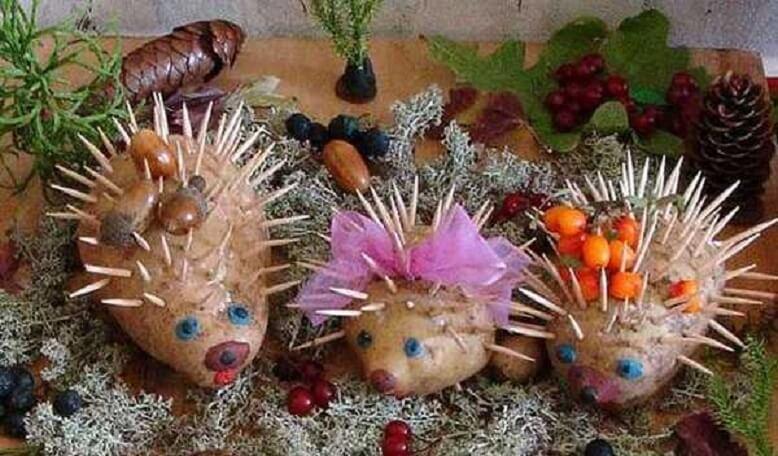 Поделки из овощей и фруктов Поделка ёжики из картошки
