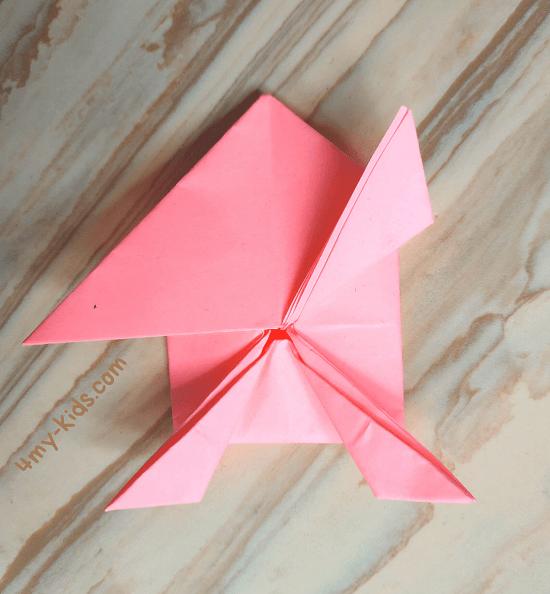 Лягушка из бумаги шаг 14